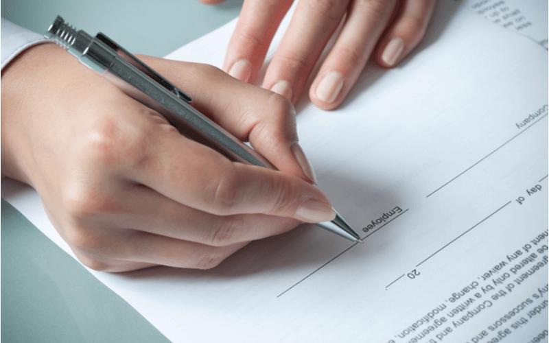 外国人雇用のための雇用契約書作成の注意点