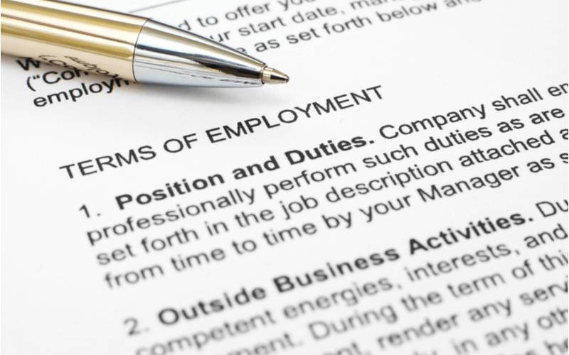 雇用契約書を英文でも用意すべき理由